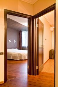 Orfeusz Brodnica montaż drzwi i podłóg